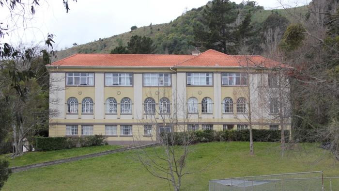 Barnicoat House Medium Sports Team / Conference Accommodation - school holidays only