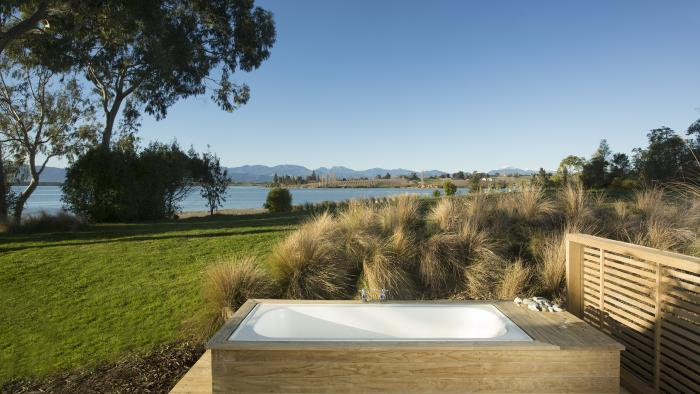 G Karaka Outdoor bath copy Matahua Cottages