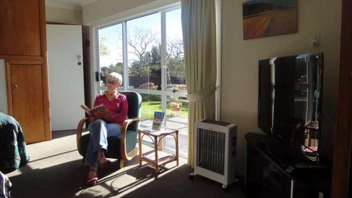 Late afternoon sunshine Arapiki Self-contained Homestay Units