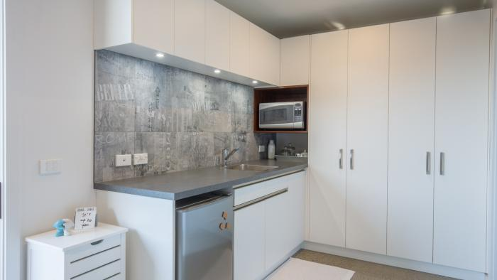 The Blue Studio wetbar kitchenette Mapua41south Holiday Accommodation in Mapua