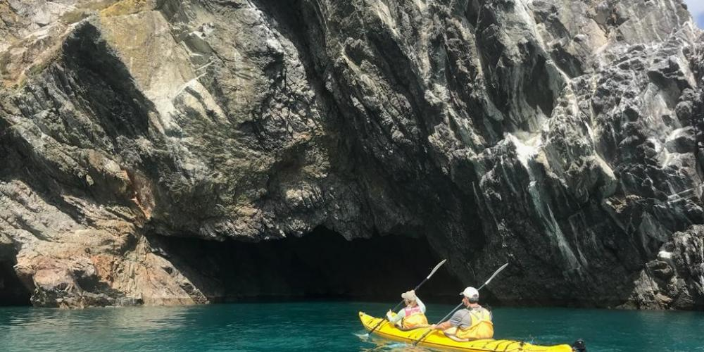 Cable Bay Kayaks Cave Cable Bay Kayaks - Experience untapped New Zealand