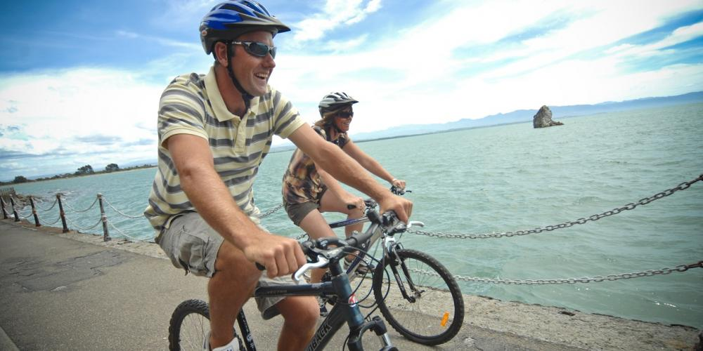 Cycling waterfront Nelson NZ 1 Wakefield Quay