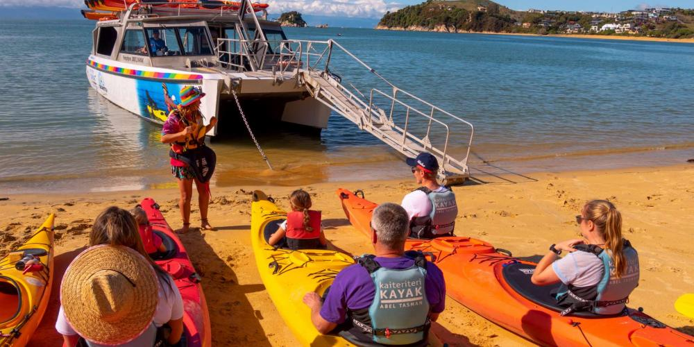 Kayaks Briefing 9 of 12 1920 Kaiteriteri Kayak