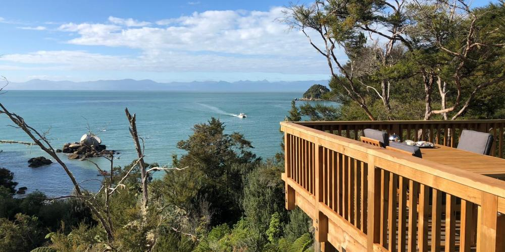 Moonraker House Split Apple Beach Sally NZ Accommodation 7 Moonraker House at Split Apple Rock