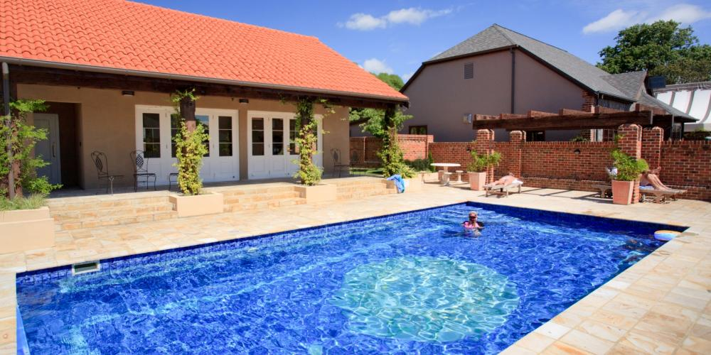 Outdoor Solar Heated Pool2 Grand Mercure Nelson Monaco