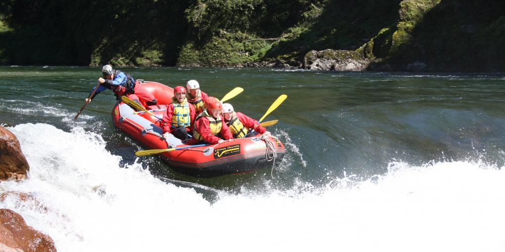 Rafting Murchison rapid Ultimate Descents New Zealand
