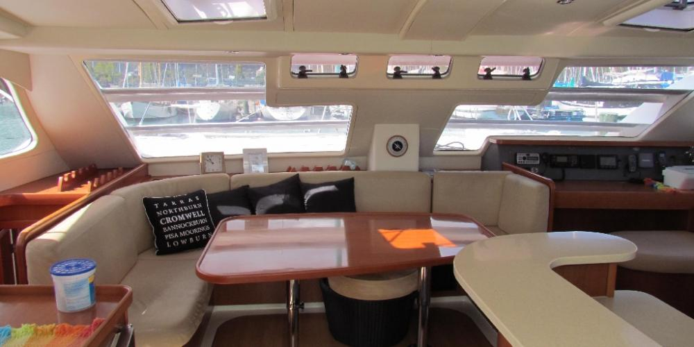 Te Harinui Interior Saloon2 Scenic Holidays with Abel Tasman Sailing Adventures