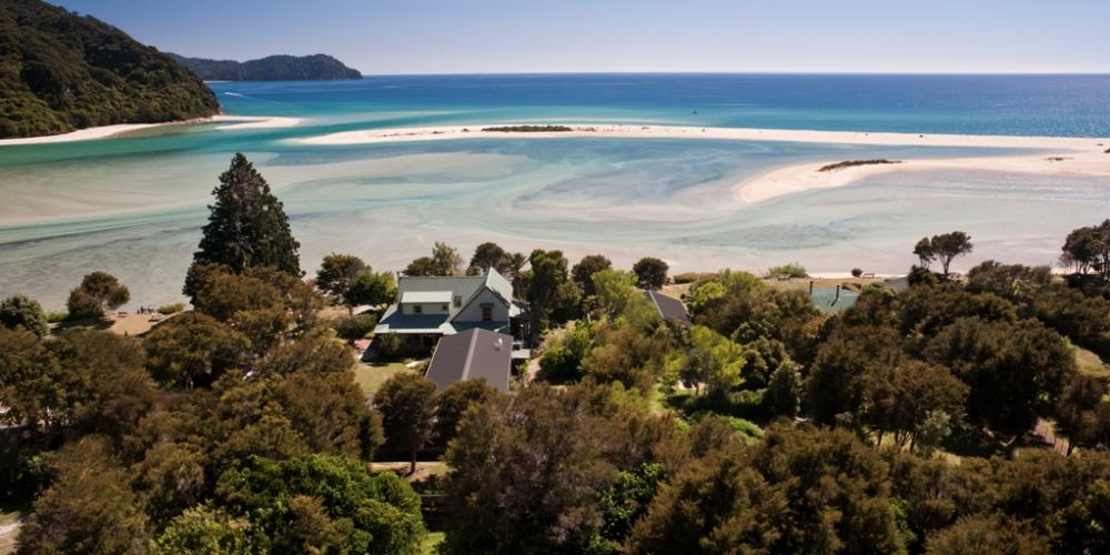 aMeadowbank on the estuary small Wilsons Beachfront Lodges Abel Tasman National Park