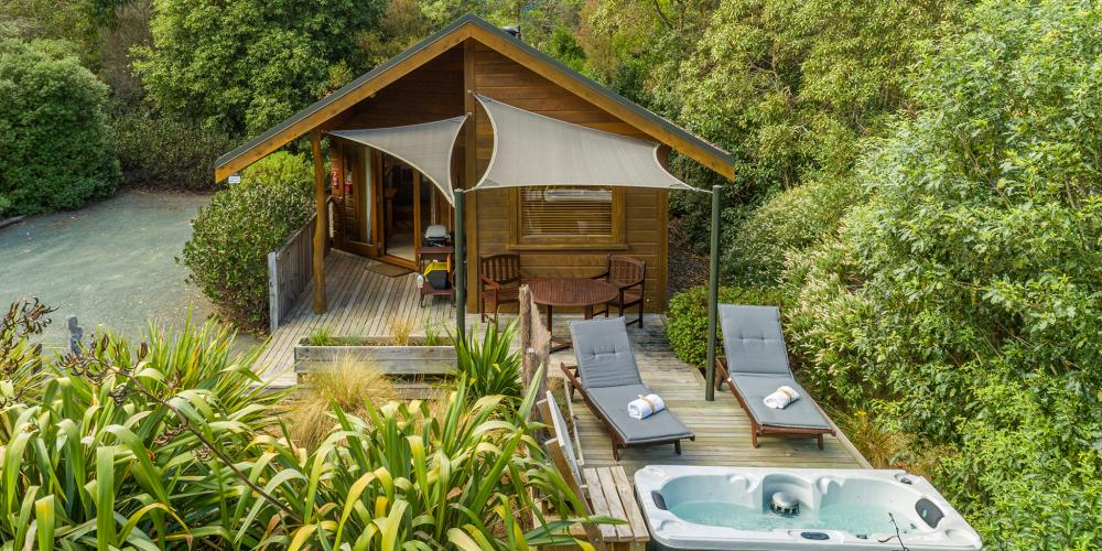 bush chalet drone The Resurgence Luxury Eco-Lodge