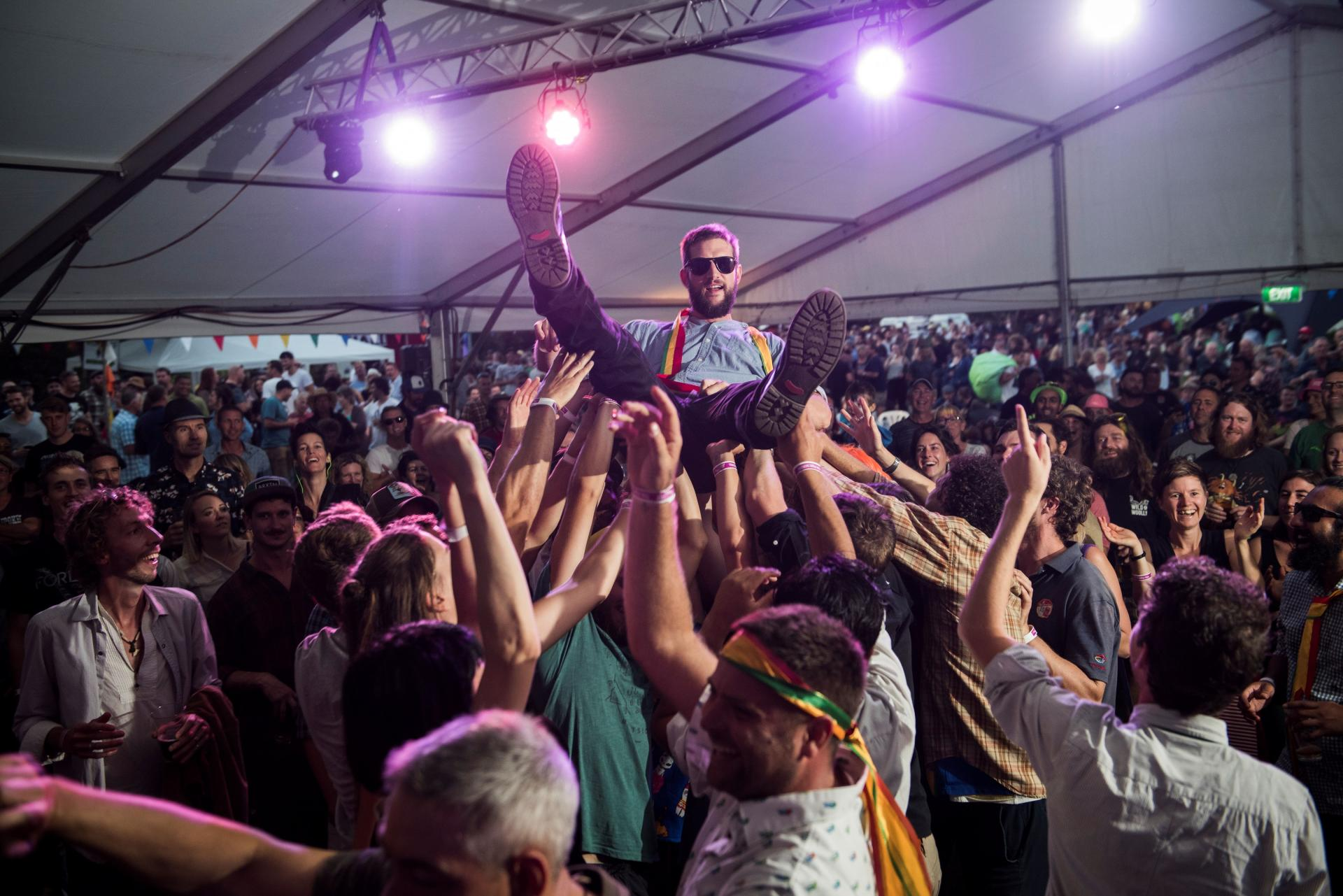 crowd surf credit David Letsche2