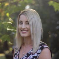 Laura Duquemin - Marketing & Digital Executive